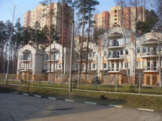 Город Королёв. Улица Маяковского (микрорайон Комитетский Лес)